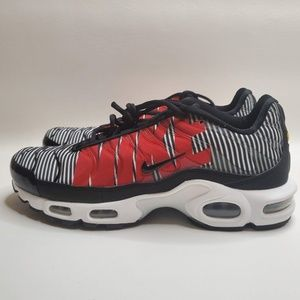 Nike Air Max Plus Tuned TN SE Striped Black White